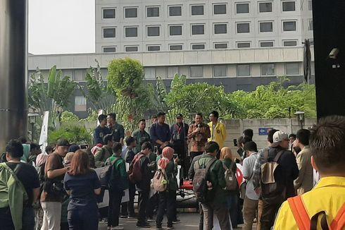 Pengunjuk Rasa di Gedung KPK Membubarkan Diri