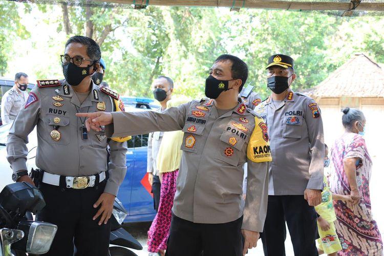 Kapolda Jateng Irjen Ahmad Luthfi saat meninjau lokasi kejadian perahu terbalik, Sabtu (15/5/2021).