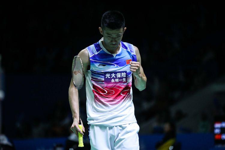Pebulu tangkis tunggal putra China, Chen Long, melawan tunggal putra Indonesia, Tommy Sugiarto dalam babak kedua Blibli Indonesia Open 2019 di Istora Senayan, kompleks GBK, Jakarta, Rabu (17/7/2019).