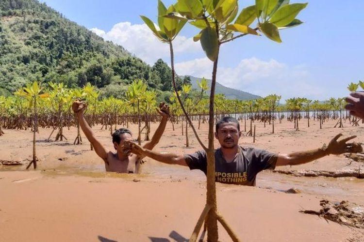 Di Halmahera Timur, Provinsi Maluku Utara, pertambangan menyebabkan pencemaran lingkungan.