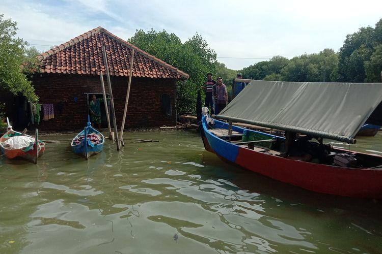Rumah keluarga Rukani dan Pasijah di Dukuh Rejosari Desa Bedono Kecamatan Sayung Kabupaten Demak Jawa Tengah