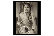 Fatmawati Soekarno: Kiprah dan Pernikahan dengan Soekarno
