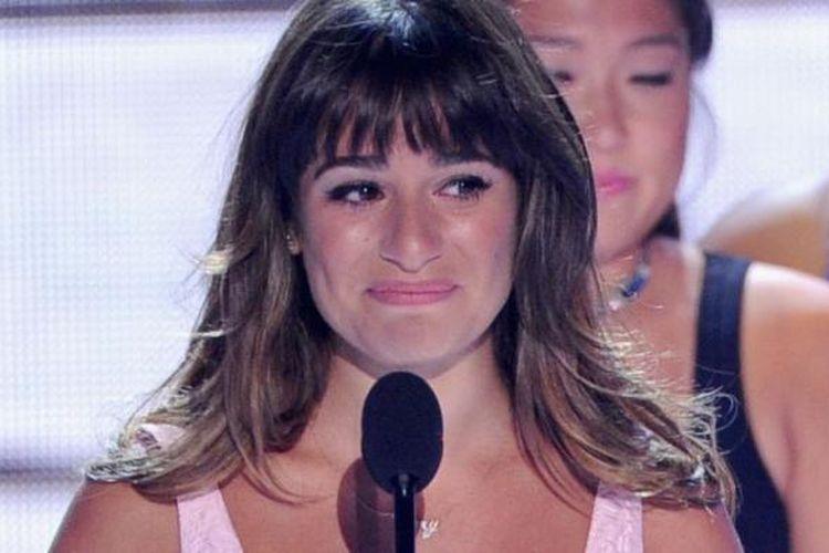 Aktris Lea Michele menerima penghargaan Choice TV Show: Comedy untuk film seri Glee di panggung pergelaran Teen Choice Awards 2013 di Gibson Amphitheatre, Universal City (Los Angeles, California, AS), Minggu (11/8/2013) malam waktu setempat.