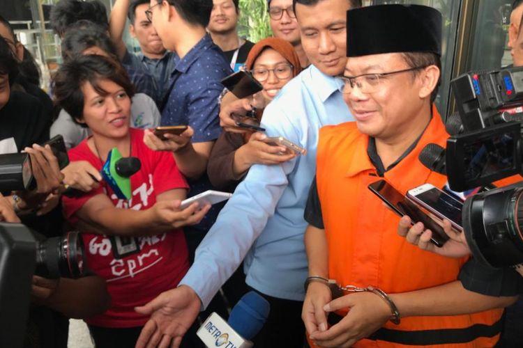 Wakil Ketua DPR Taufik Kurniawan saat keluar dari Gedung Merah Putih KPK, Jakarta Selatan, Kamis (3/1/2019).