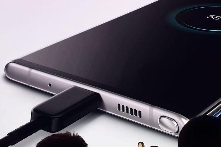 Super fast charging Galaxy Note 10, bisa diisi 100 persen dalam 30 menit.
