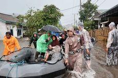 Banjir di Belitung, Warga Dievakuasi Menggunakan Perahu Karet