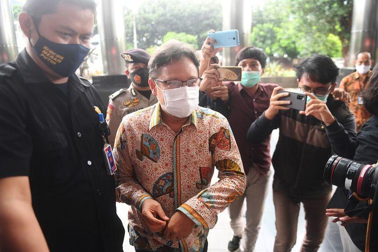 Menteri Kesehatan Budi Gunadi Sadikin tiba untuk bertemu pimpinan KPK di gedung KPK, Jakarta, Jumat (8/1/2021). ANTARA FOTO/Akbar Nugroho Gumay/foc.