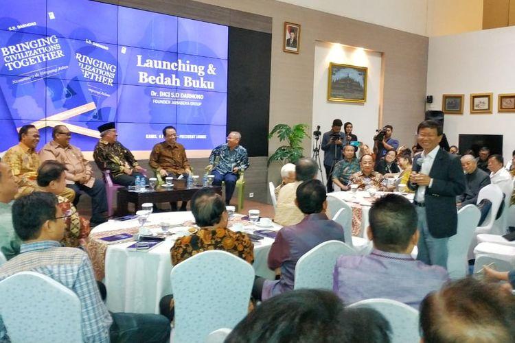 Acara launching dan bedah buku Bringing Civilization Together: Nusantara di Simpang Jalan karya SD Darmono di Menara Batavia, Jakarta (4/7/2019).
