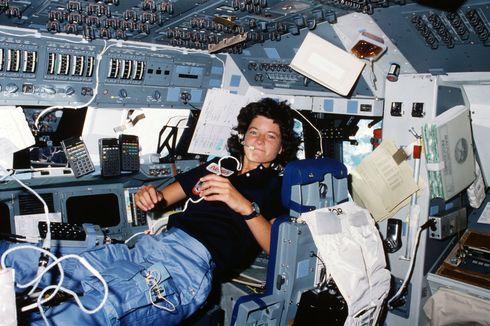 Hari Ini dalam Sejarah: Astronot Perempuan AS Pertama ke Luar Angkasa