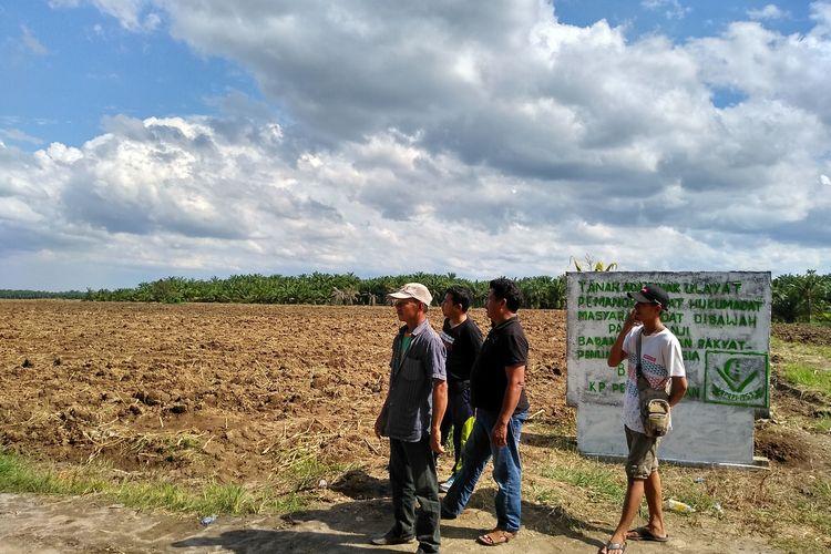 Sejumlah warga anggota BPRPI Kampung Pertumbukan masih berkerumun di lahan yang jagung yang sudah diratakan dengan alat berat. Pihak PTPN II menyatakan bahwa lahan tersebut merupakan lahan HGU milik PTPN II dengan Sertifikat Nomor 3 seluas 1530,71 hektare yang berakhir 2028. Di saat yang sama, BPRPI menyatakan lahan tersebutv adalah tanah adat/ulayat BPRPI.