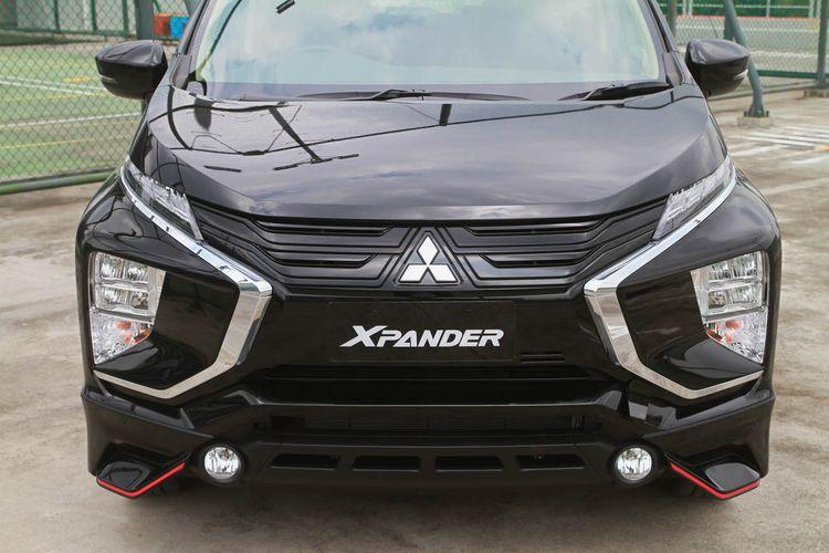 Mitsubishi Xpander Black Edition hadir dalam dua varian transmisi yakni manual dan AT. Mitsubishi menawarkan dua pilihan warna yakni quartz white pearl dan jet black mica. Xpander Black Edition dibanderol Rp 257,1 juta untuk transmisi manual dan Rp 267,5 juta untuk varian AT