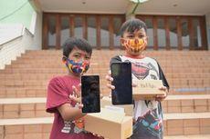 Wartawan Berbagi, Terinspirasi Pemulung Cari Ponsel Bekas untuk Belajar dari Rumah