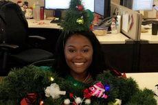 Netizen Heboh, Wanita Ini Kenakan Sweter Natal Terburuk