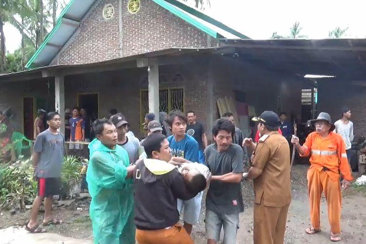 Enam warga Pinrang tersambar petir, dua terluka, satu Tewas di tengah sawah, Selasa (3/11/2019).