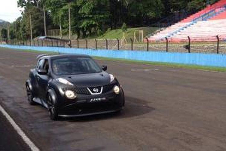 Jajal Nissan Juke R di Sirkuit Sentul