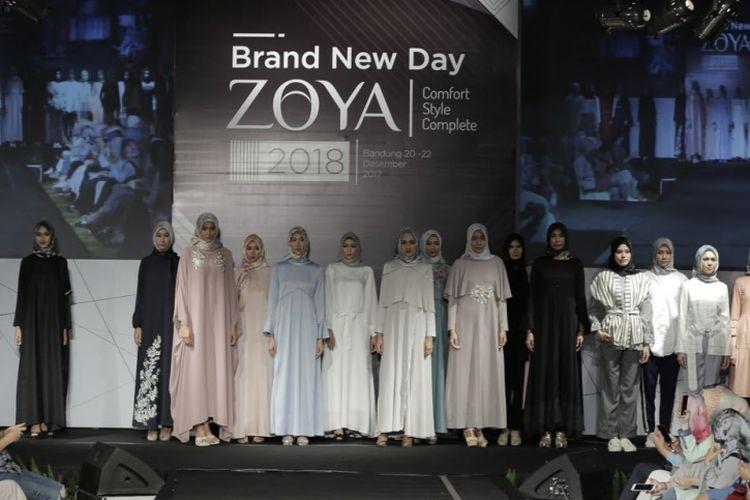 Koleksi busana muslim Zoya 2018.