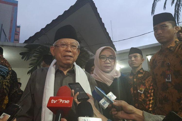 Wapres Maruf Amin saat melayat ke kediaman Gus Sholah di kawasan Mampang Prapatan, Jakarta Selatan, Senin (3/2/2020).