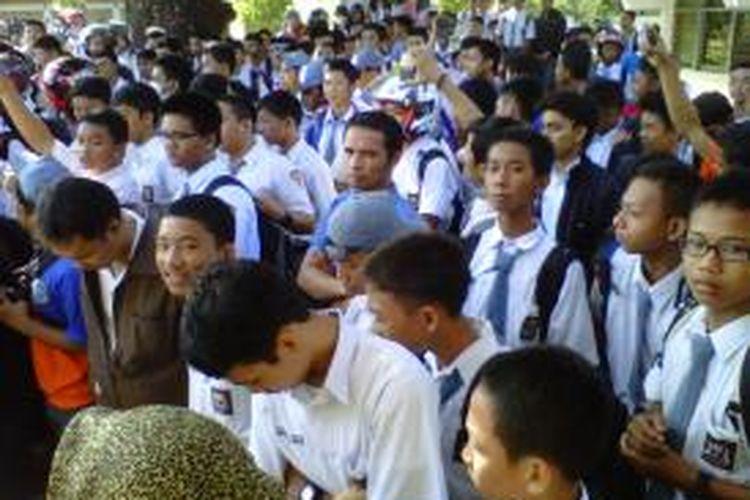 Ribuan pelajar SMK 5 Makassar mogok belajar
