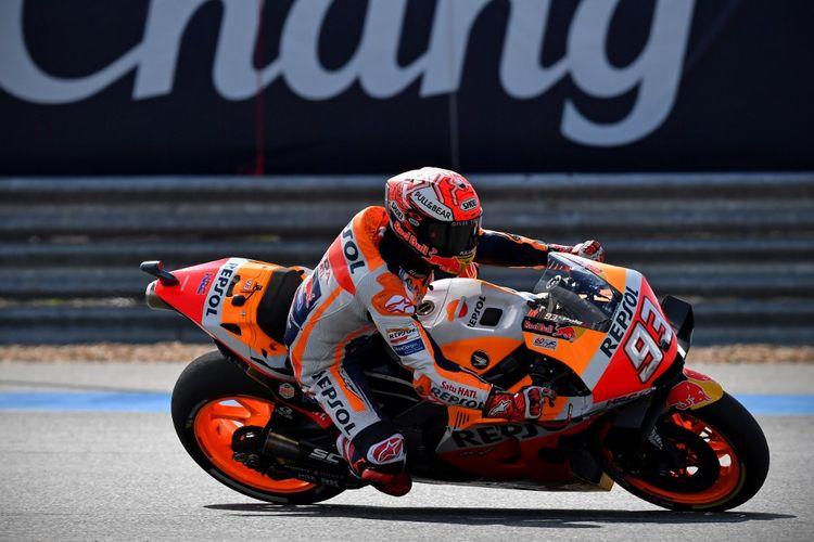 Pebalap Repsol Honda Team asal Spanyol, Marc Marquez, saat tampil pada kualifikasi MotoGP Thailand, di Sirkuit Internasional Chang, Buriram, Sabtu (5/10/2019).