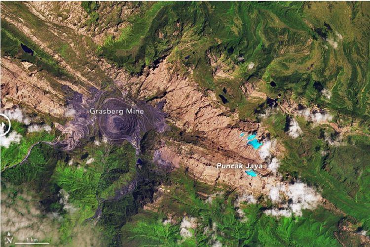 Foto satelit Puncak Jaya 2017