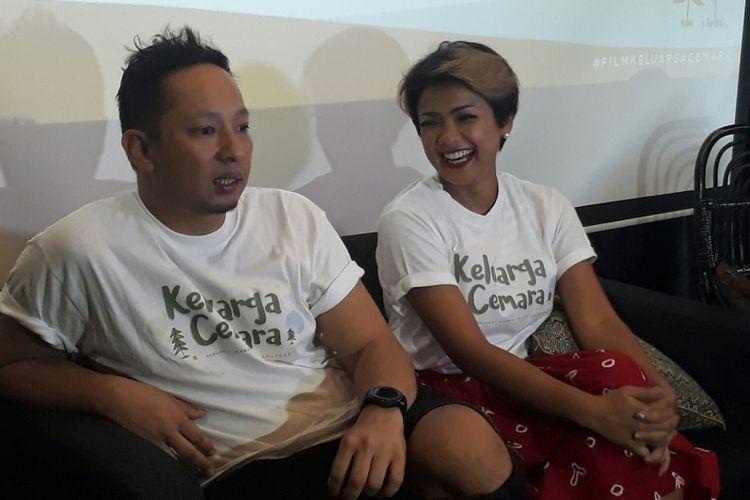Ringgo Agus Rahman dan Nirina Zubir ditemui dalam jumpa pers film Keluarga Cemara di Kinosaurus, Kemang, Jakarta Selatan, Jumat (29/9/2017).