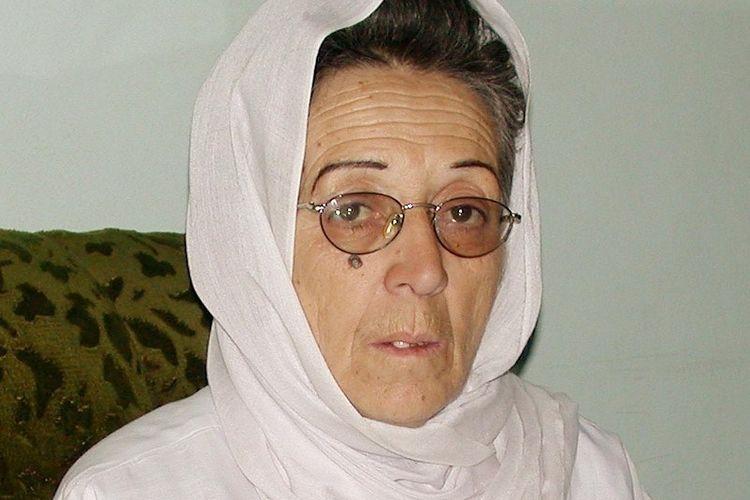 Suhaila Siddiq, perempuan berpengaruh yang menjabat sebagai menteri kesehatan Afghanistan pada 6 Desember 2001. Suhaila adalah salah satu dari 30 anggota pemerintahan masa transisi.