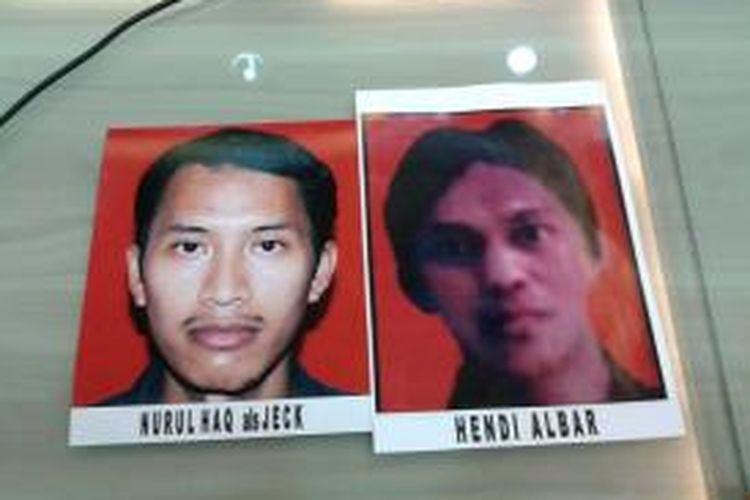 Foto dua orang pelaku penembakan terhadap 4 polisi di tiga tempat di Tangerang Selatan, Banten, yaitu Nurul Haq alias Jeck (28) dan Hendi Albar (30) saat diperlihatkan di Mapolda Metro Jaya, Jumat (30/8/2013).