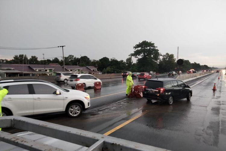 PT Jasa Marga (Persero) Tbk memberlakukan perpanjangan rekayasa lalu lintas contraflow dari KM 65 hingga KM 47 di Jalan Tol Jakarta-CIkampek arah Jakarta.