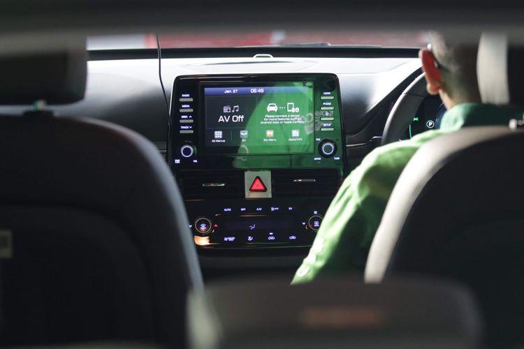 Hyundai IONIQ Electric merupakan generasi terbaru mobil ramah lingkungan yang tenaganya berbasis 100 persen listrik.