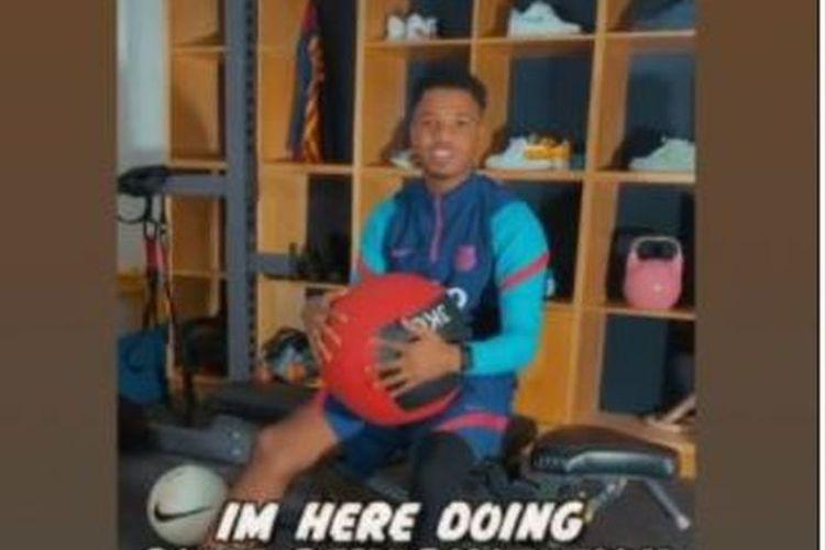 Cristiano Ronaldo mengirimkan pesan menyentuh kepada Ansu Fati yang cedera parah.