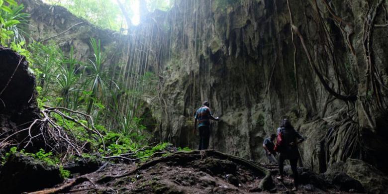 Goa Jepang di Biak, Papua.