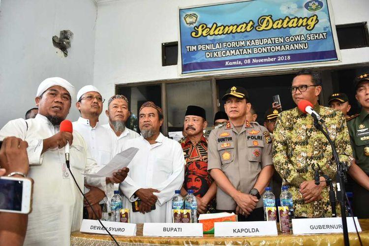 Panitia dan dewan Syuro IJTIMA DUNIA 2020 resmi melakukan pembatalan takbir akbar usai rapat bersama unsur Muspida Kabupaten Gowa, Sulawesi Selatan. Kamis, (19/3/2020).
