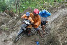 Badai Cempaka, 1 Desa di Gunungkidul Sulit Diakses akibat Jalan Tertutup Longsor