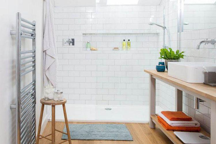 Kamar mandi mungil yang rapi