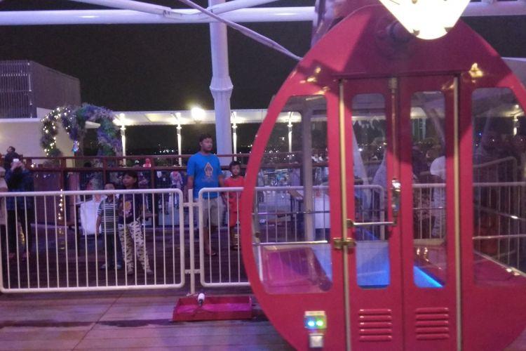 - J-Sky Ferris Wheel di AEON Mall Jakarta Garden City, Cakung, Jakarta menjadi wahana permainan Bianglala tertinggi di Indonesia. Wahana bianglala tersebut telah diresmikan dan dibuka untuk umum pada Sabtu (7/10/2017).