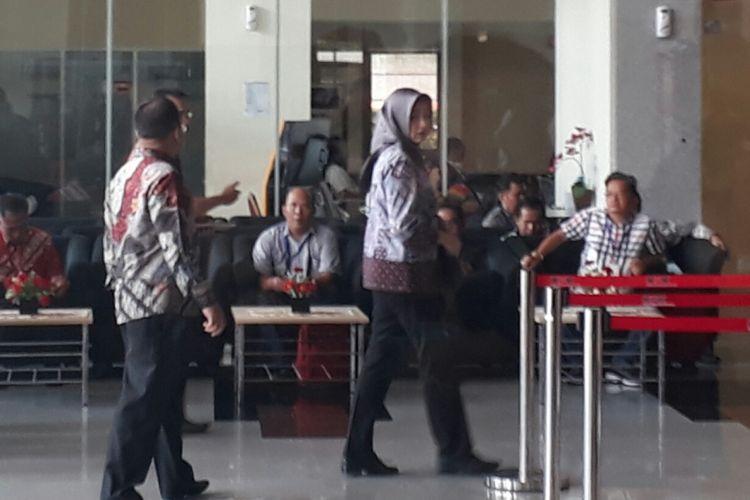 Wali Kota Tangerang Selatan, Airin Rachmi Diany, mendatangi kantor Komisi Pemberantasan Korupsi (KPK), Jumat (2/3/2018).