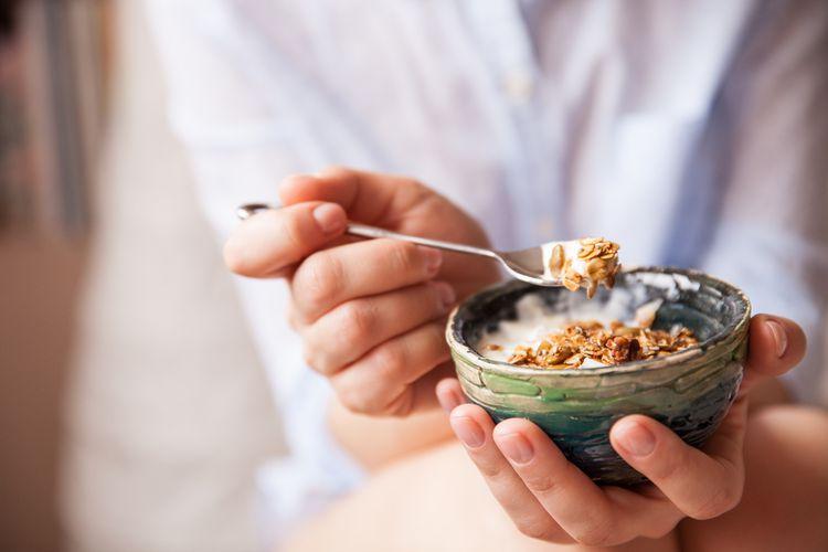 Ilustrasi sarapan dengan campuran gandum utuh.