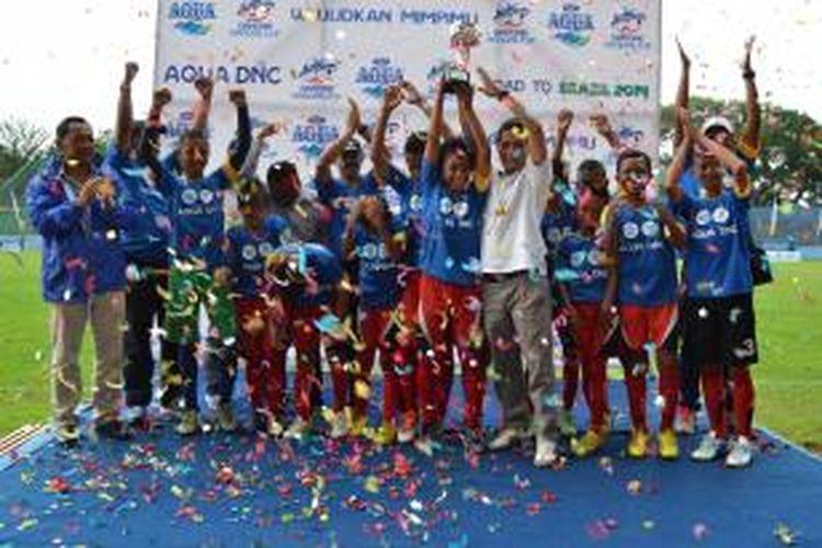 Juarai Final Regional Jawa Timur, Tim SSB Bledek Biru Melangkah bersama AQUADNC 2014 untuk Meraih Mimpi ke Brasil.