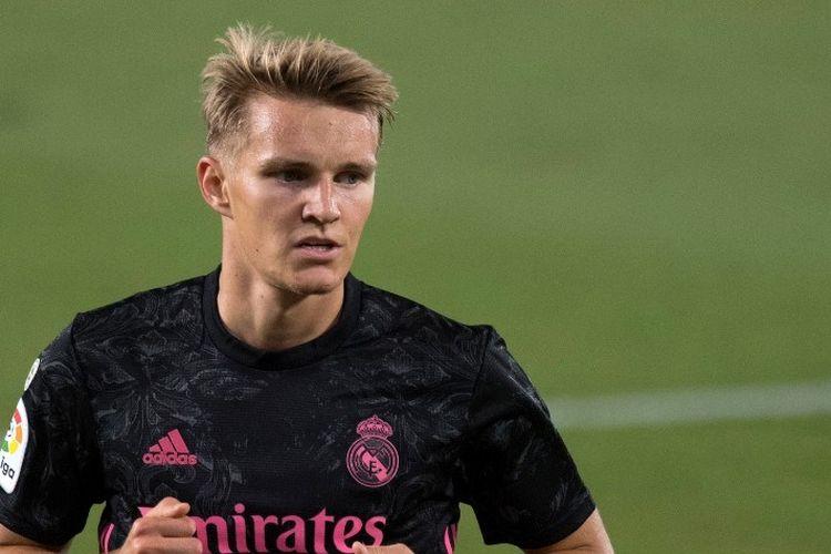Reaksi gelandang Norwegia Real Madrid Martin Odegaard selama pertandingan sepak bola liga Spanyol Real Betis melawan Real Madrid CF di stadion Benito Villamarin di Seville pada 26 September 2020