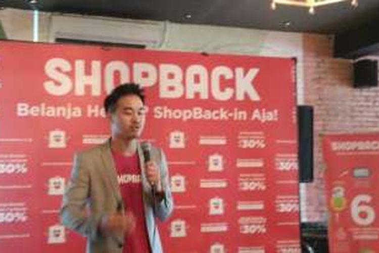 Country General Manager Shopback Indonesia Indra Yonathan saat konfrensi pers Survei ShopBack Jelang Harbolnas 2016 di Jakarta, Selasa (6/12/2016).