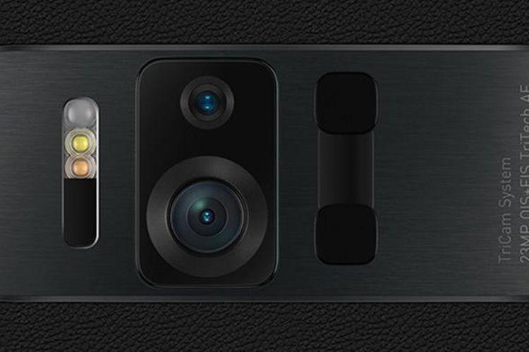 Zenfone AR dibekali kamera ganda yang sanggup memindai dunia nyata untuk diubah menjari digital