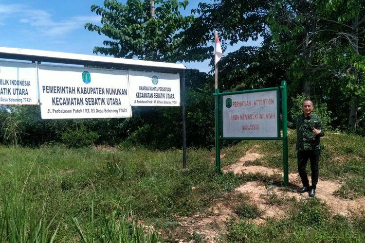 Anggota DPRD Nunukan Dapil Sebatik saat meninjau kondisi kantor camat Sebatik utara, kantor ini tidak memiliki akses masuk karena sekitar 30 meter jalannya masuk wilayah Malaysia