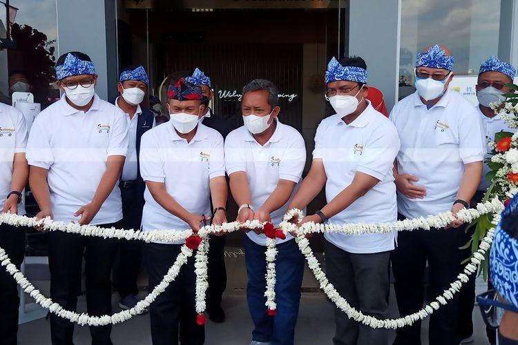 Untuk mendekatkan pelayanan kepada masyarakat Kota Bandung di wilayah timur, Pemerintah Kota Bandung membuka Gerai Pelayanan Publik (GPP) di Kawasan perumahan elit Summarecon Bandung yang terletak di Gedebage, Kota Bandung.