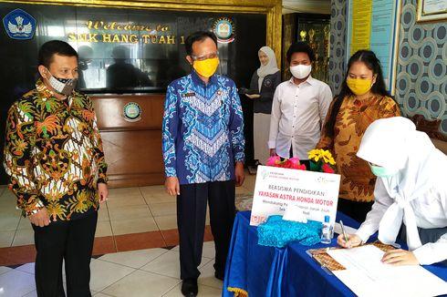 Yayasan AHM Salurkan Beasiswa Pendidikan di Masa Pandemi