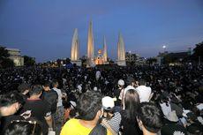 Sehari Setelah Dipasang, Plakat yang Menentang Raja Thailand Dicopot