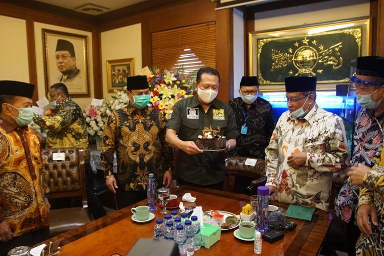 Pimpinan MPR menemui Ketua Umum Pengurus Besar Nahdlatul Ulama (PBNU) Said Aqil Siroj di Gedung PBNU, Jakarta, Jumat (3/7/2020). Seusai pertemuan, Ketua MPR RI Bambang Soesatyo mengatakan bahwa PBNU sepakat dengan MPR RI tentang perlunya penguatan pembinaan ideologi Pancasila.