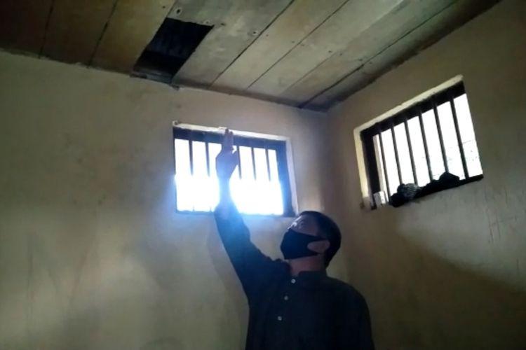 SULSEL (09102020K62-12) Manjat Plafon, Tahanan Mapolsek Sidrap Kabur