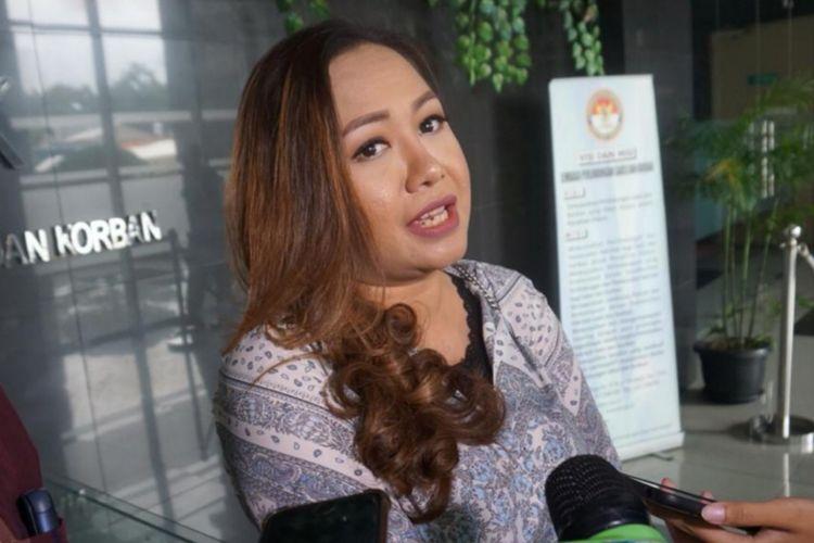 Eks Manager Persibara Banjarnegara Lasmi Indriyani saat mendatangi LPSK, Ciracas, Jakarta Timur, Jumat (1/3/2019)