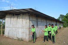 Siswa SMP di Manggarai Timur Hanya Bisa Berdoa Kala Sekolah Mereka Dimakan Rayap dan Hampir Roboh