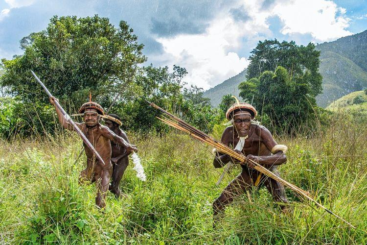 Suku Dani di Wamena, Papua DOK. Shutterstock/Sergay Uryadnikov
